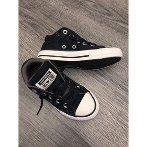 NEW Kids Converse Chuck Taylor Shoes